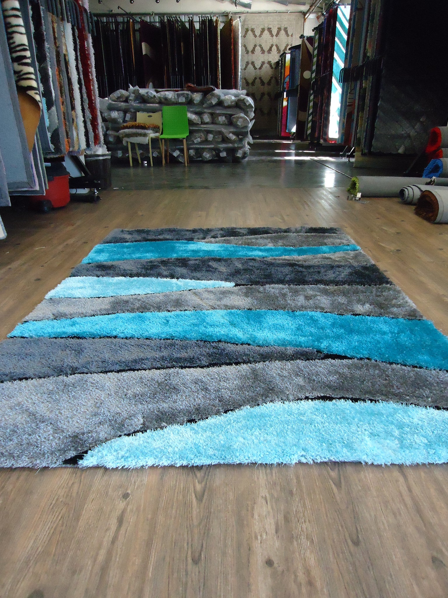Handmade Vibrant Gray With Blue Shag Area Rug With Hand