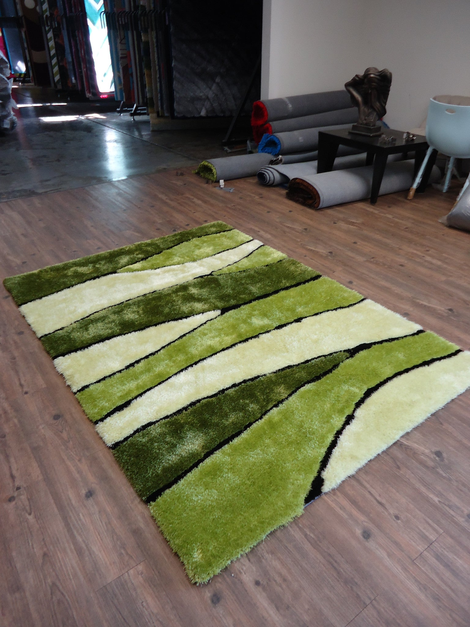 ... Handmade Vibrant Green Shag Area Rug With Hand Carved Design 5 X 7 Ft.