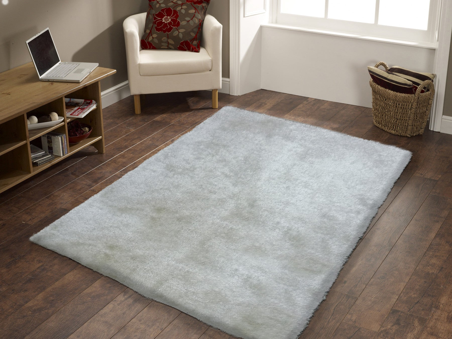 Handmade white solid soft fuzzy shag area rug rug for Soft area rugs