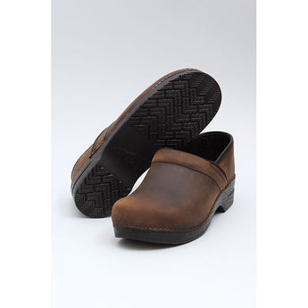 Dansko: PROFESSIONAL OILED LEATHER CLOG MEN