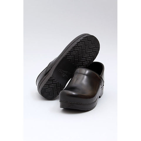 Dansko: PROFESSIONAL BOX LEATHER CLOG MEN