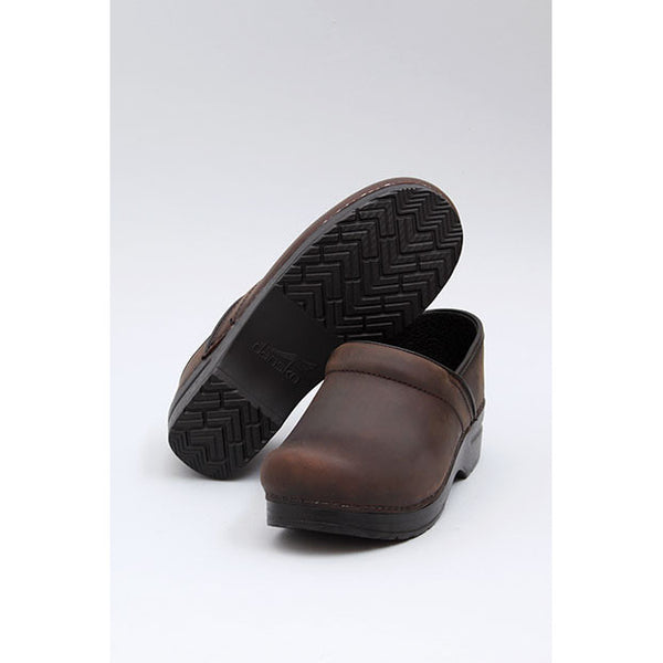 Dansko: PROFESSIONAL OILED CLOG WOMEN