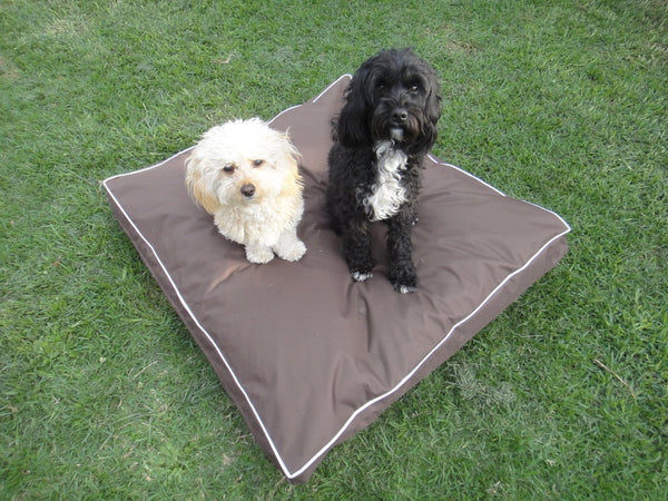 PET POUCH Indoor/Outdoor Dog Bed – Woofers World