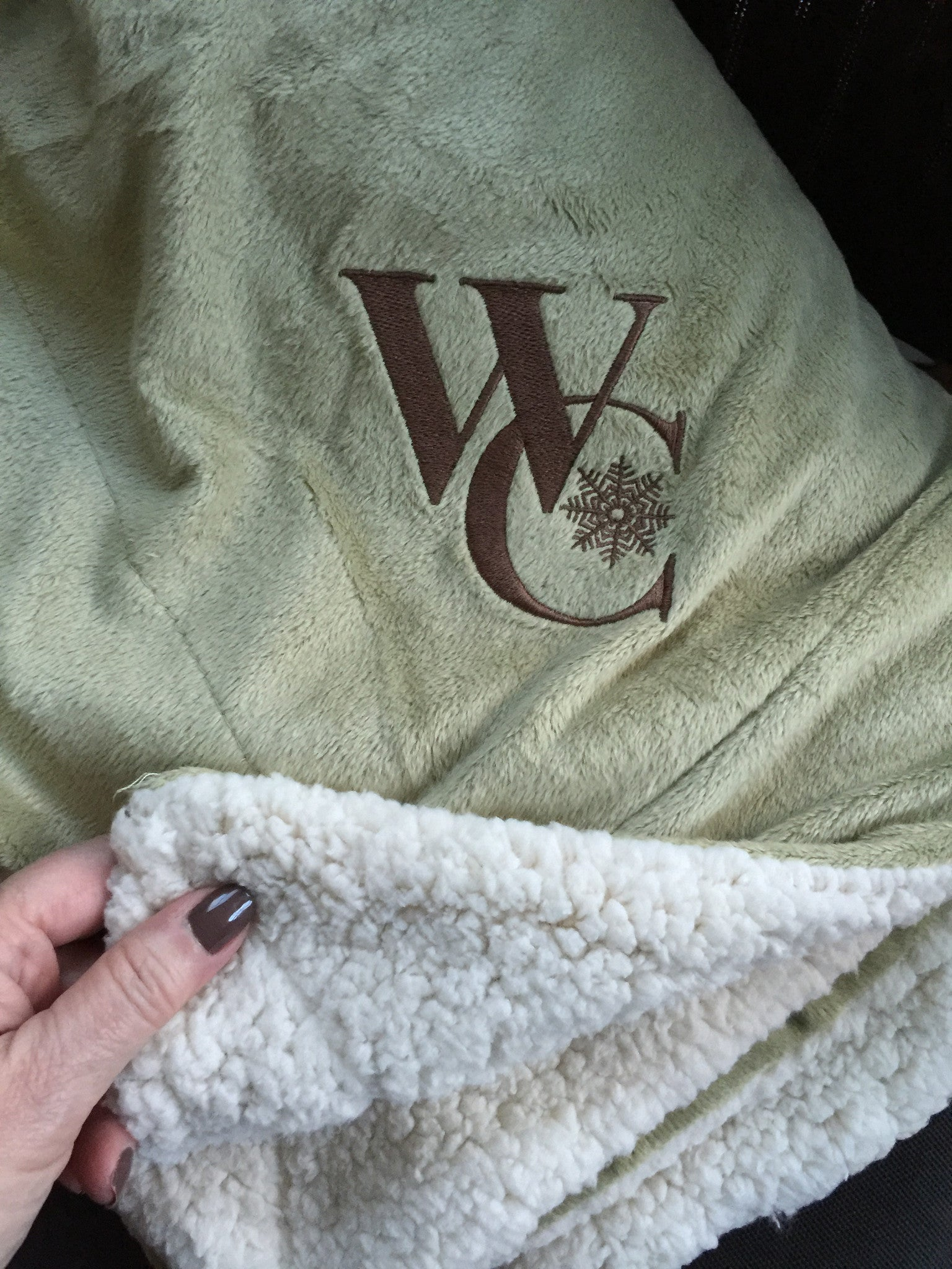 Custom Embroidered Soft Sherpa Blanket