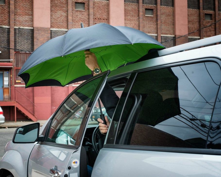 Get In Car with Custom Inverted Umbrella