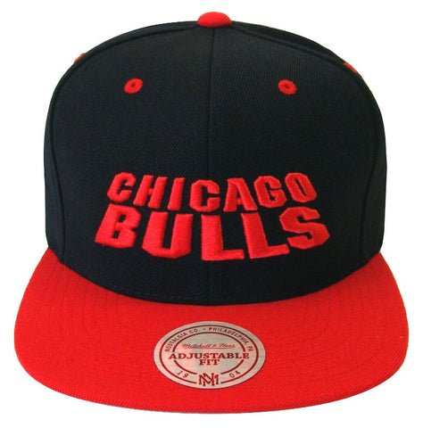 Chicago Bulls Snapback Mitchell & Ness Monolith Cap Hat Black Red