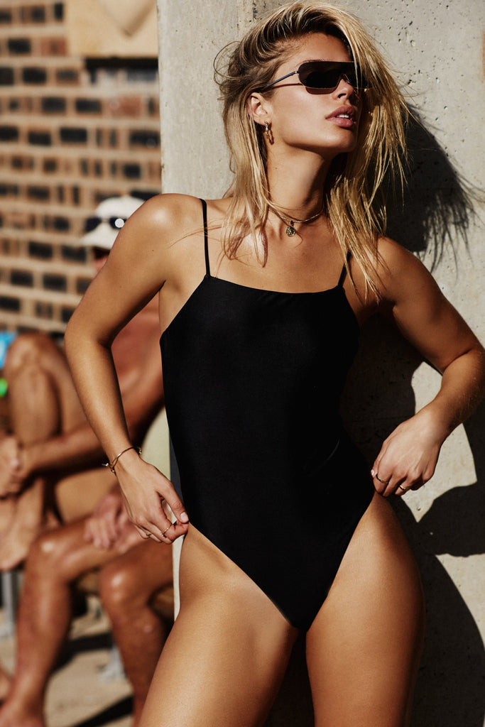 HIGH CUT ONE PIECE - BLACK