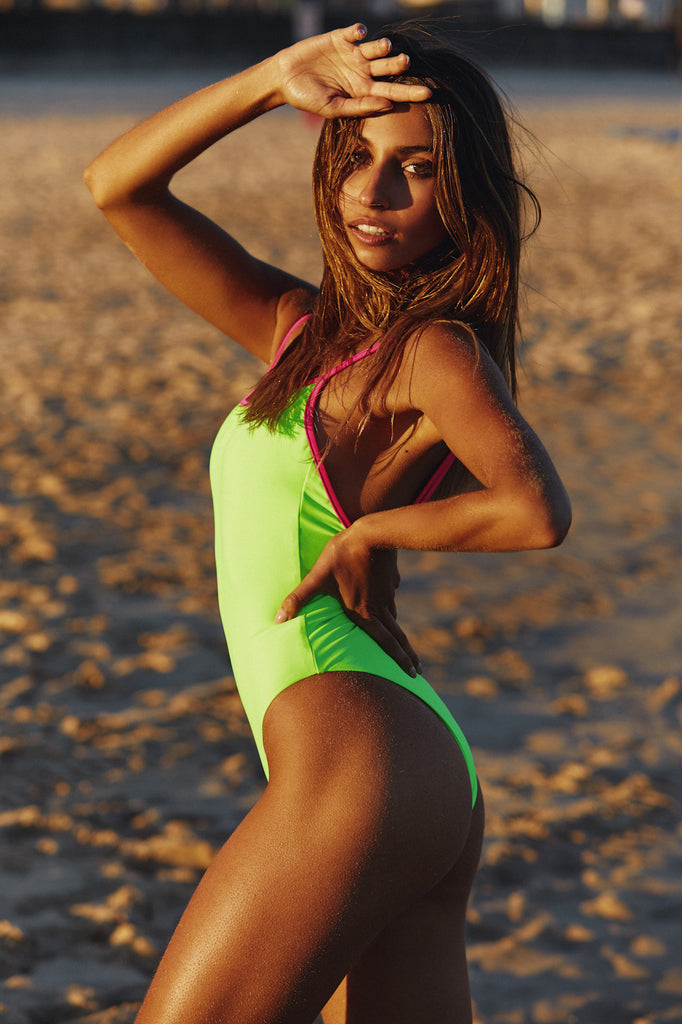 NEON ONE PIECE - POP GREEN