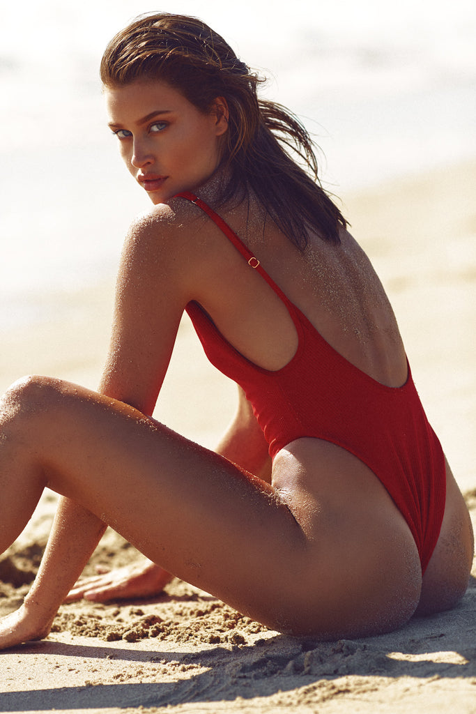 ADELE RIBBED ONE PIECE - RED