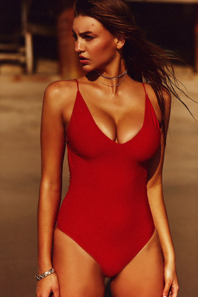 FINE LINE ONE PIECE - RED