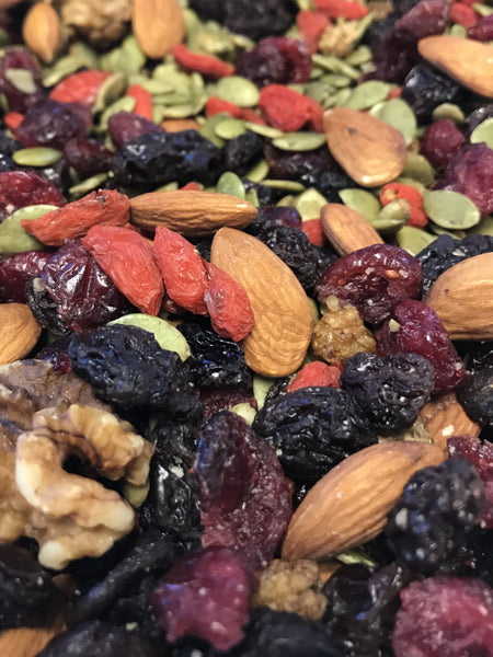 Antioxidant Trail Mix Bark with 72% dark chocolate