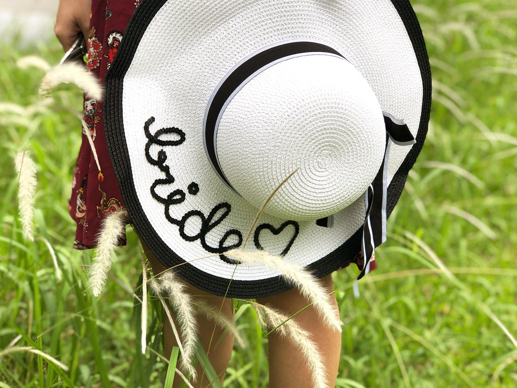 "Monochrome Sun Hat in ""bride"""