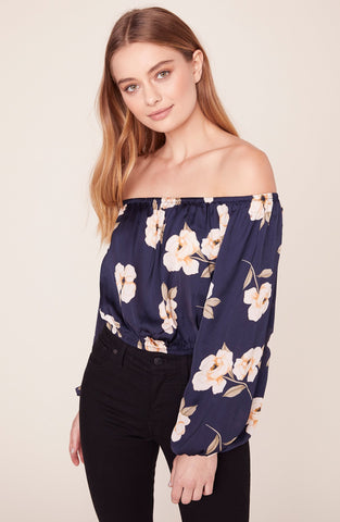 BB Dakota Blue Gardenia Top