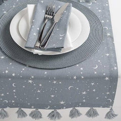 Grey and white star table setting