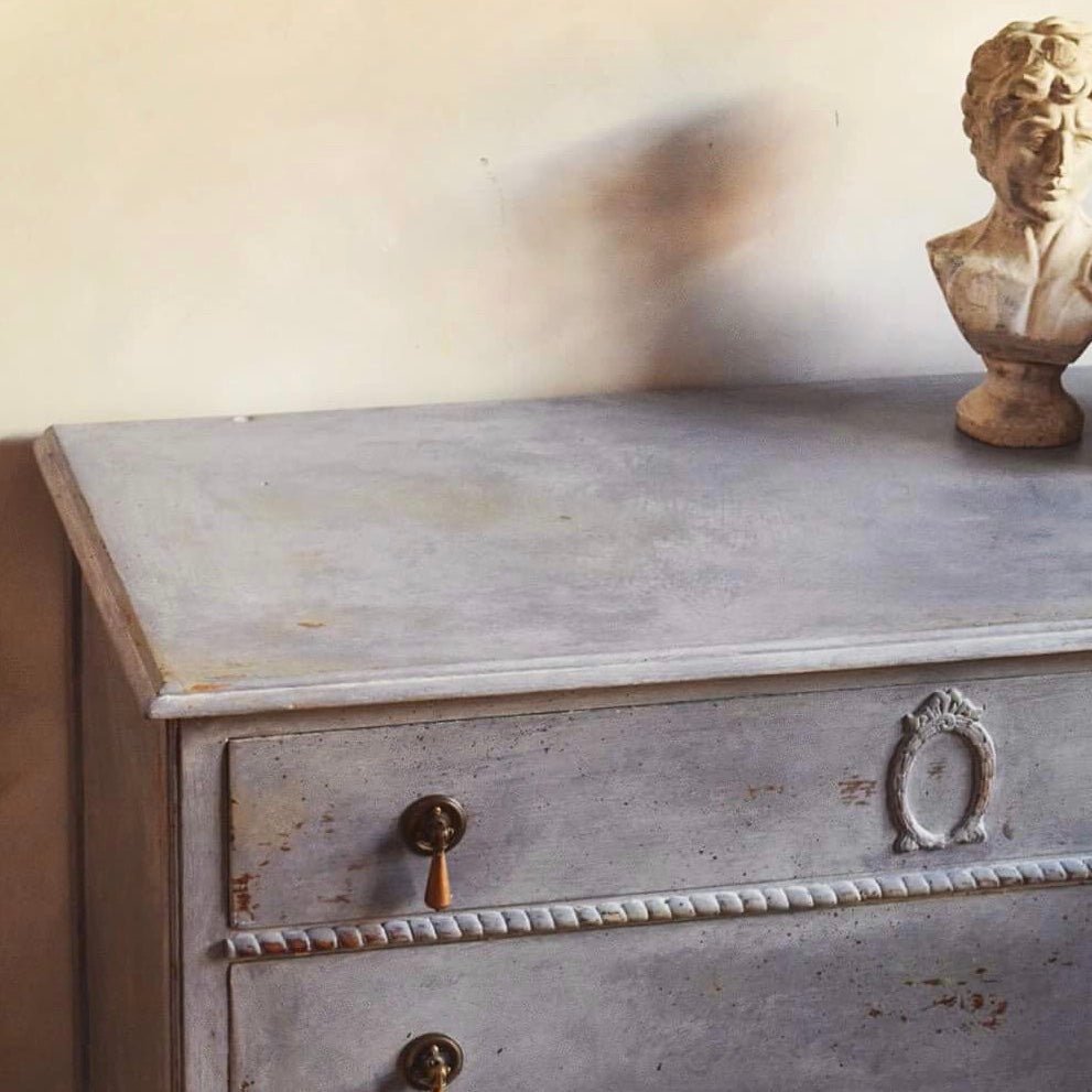Maud - Faded Grandeur Chest Of drawers in Violet SOLD