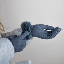 Load image into Gallery viewer, Grey gloves with faux fur