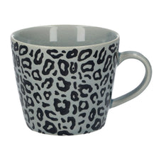 Lade das Bild in den Galerie-Viewer, Leopard Print Mug in Grey