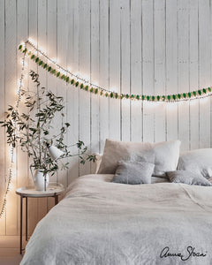 Old White Bedroom Inspo