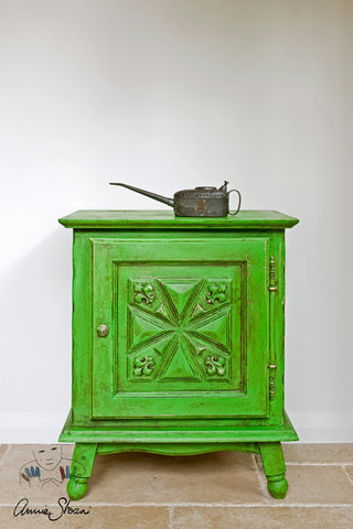 Annie Sloan Chalk Paint™ Antibes Green - La Di Da Interiors