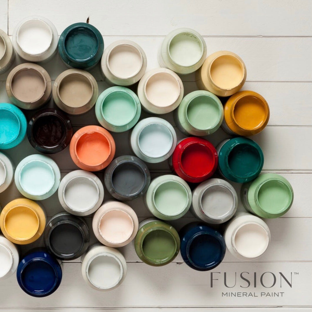 Paint Your Own Piece Workshop using Fusion Mineral Paint - La Di Da Interiors