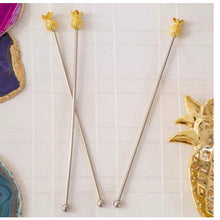 Charger l'image dans la galerie, Gold Pineapple drinks stirrers - La Di Da Interiors