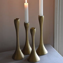 画像をギャラリービューアに読み込む, Contemporary brass candlestick - La Di Da Interiors