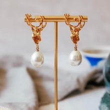 Load image into Gallery viewer, Stag Pearl Earrings