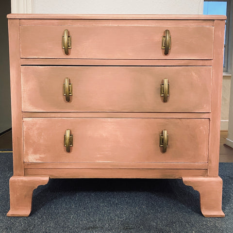 Deco chest of drawers in pink