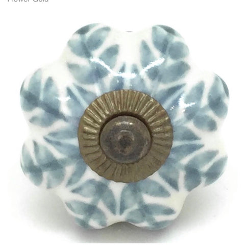 Ceramic door knob in grey with gold
