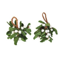 将图片加载到图库查看器,Felt Fairtrade Mistletoe Bunch - La Di Da Interiors