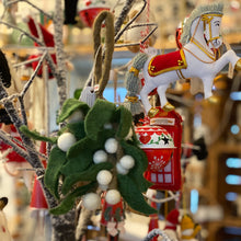 Charger l'image dans la galerie, Felt Fairtrade Mistletoe Bunch