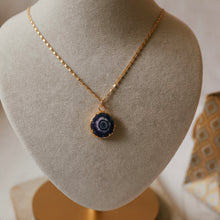 Load image into Gallery viewer, purple agate necklace