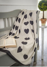 Charger l'image dans la galerie, Hearts Reversible Knitted Grey & Ivory Throw