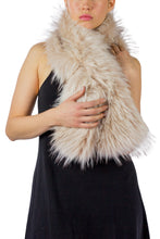 Load image into Gallery viewer, Faux Fur Pull Through Scarf - Just Jamie
