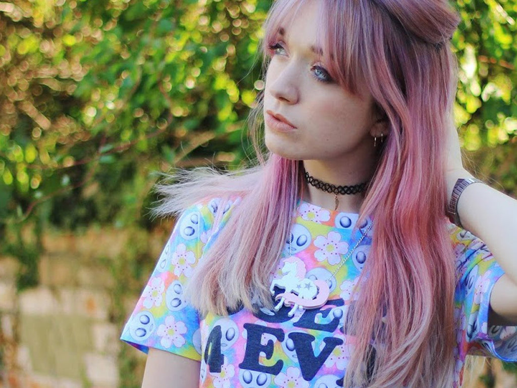 stylepeaches modelling our unicorn necklace
