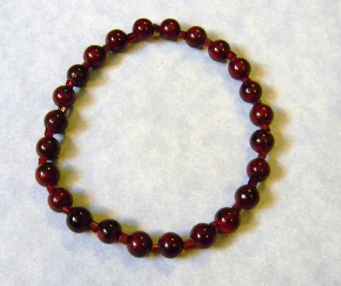 Garnet Red Colored Dyed Agate and Seed Bead Stretch Bracelet