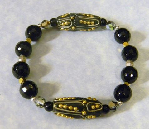 Kashmiri Lac Bead and Onyx Stretch Bracelet