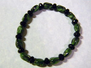 Malachite Colored and Black Glass Beads Stretch Bracelet