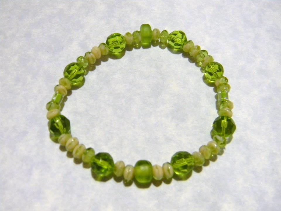 Peridot and Olivine Colored Glass and Givre Bead Stretch Bracelet