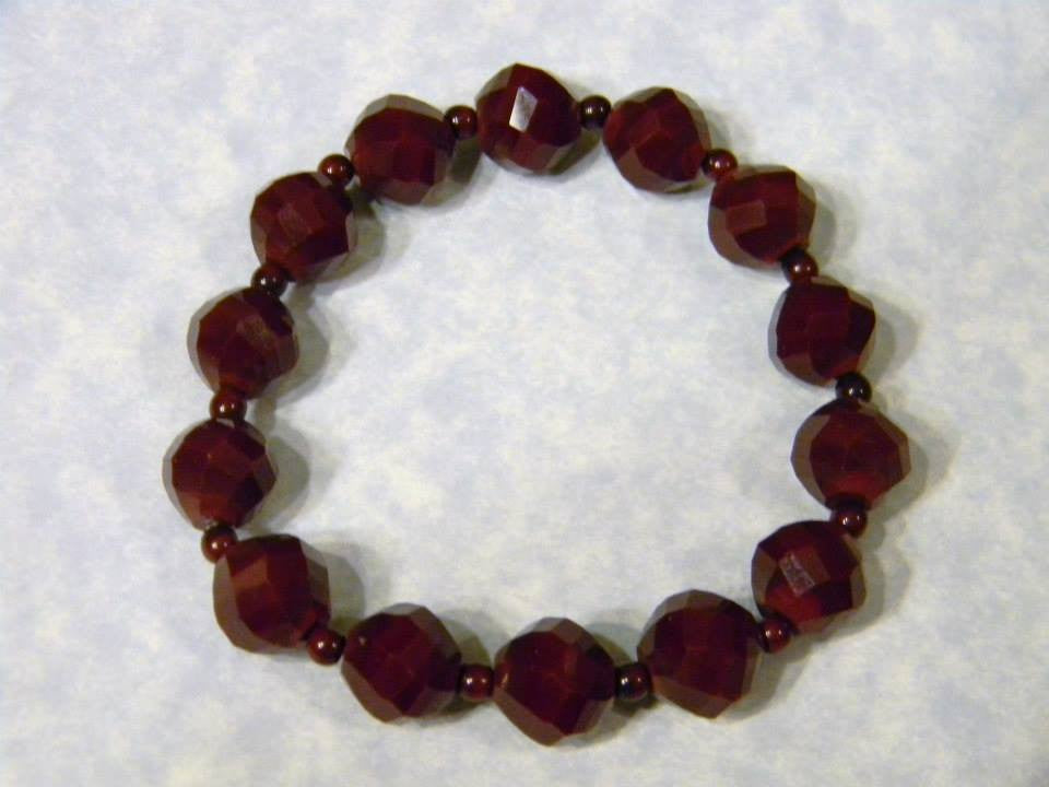 Large Bead Cherrywood Colored Glass and Seed Bead Stretch Bracelet
