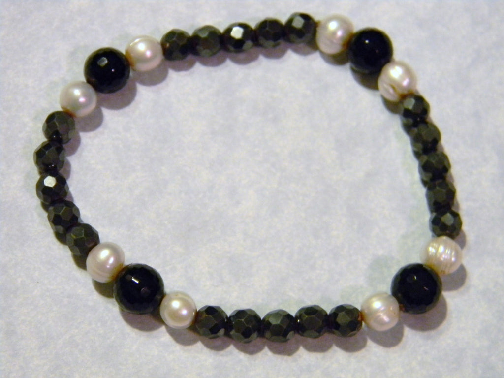 Faceted Hematite, Onyx and White Pearl Stretch Bracelet