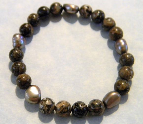 Turritella Agate and Brown Freshwater Pearl Stertch Bracelet