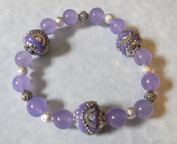 Lavender Kashmiri Lac Beads, Silver and Dyed Agate Stretch Bracelet