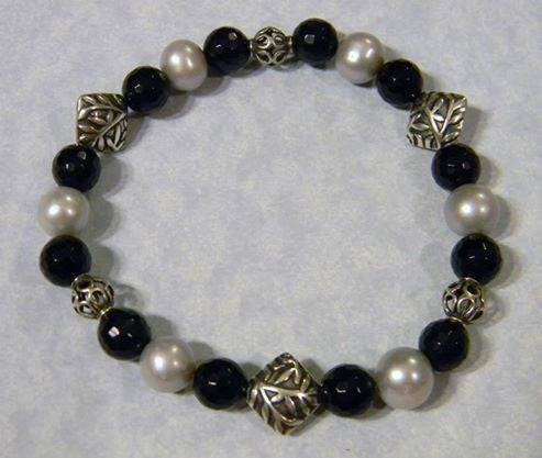 Bali Silver, Onyx and Pearl Stretch Bracelet.