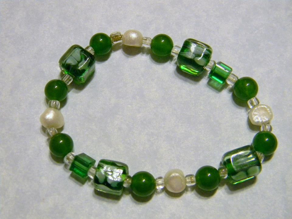 Green Agate, Pearl and Glass Bead Stretch Bracelet