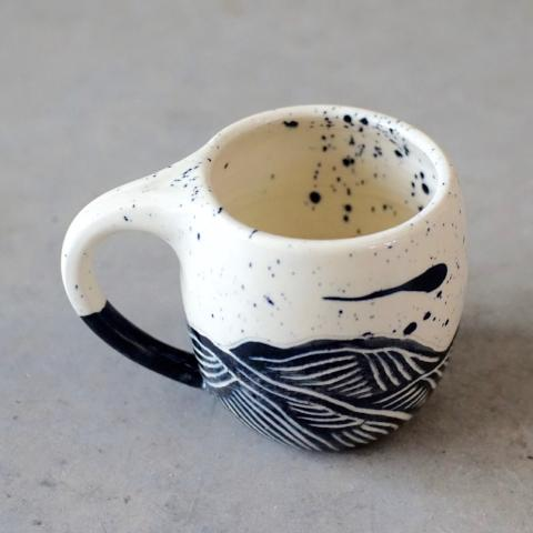 Coco Chispa | Black Splatter Mountain Mug