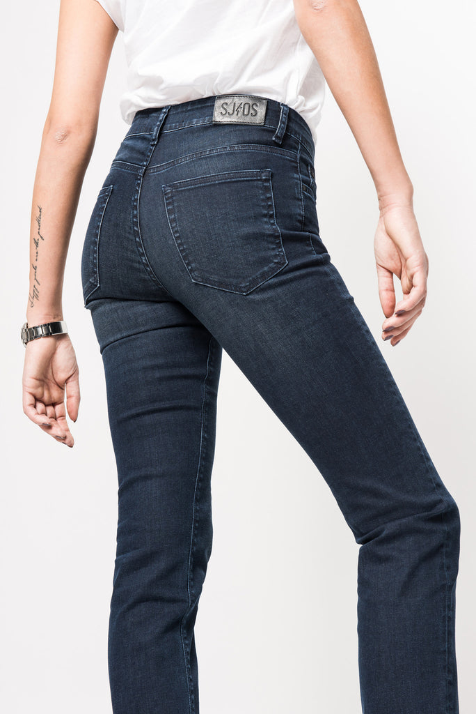 Kathrin regular curved straight legs blue black jeans superjeans of sweden sjos overdyed 991620