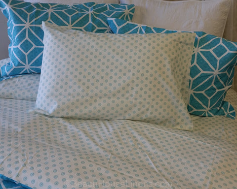 Teal Anenome Dottie Sheet Set