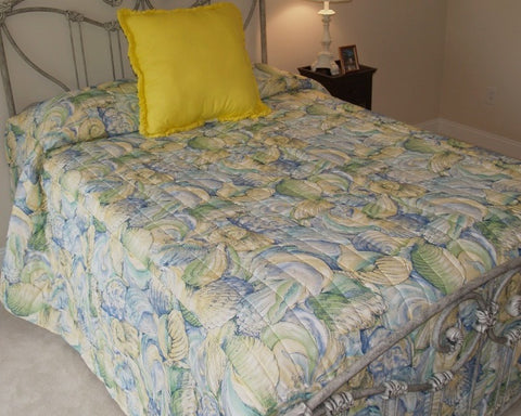 Blue, Yellow & Green Shell Bedspread