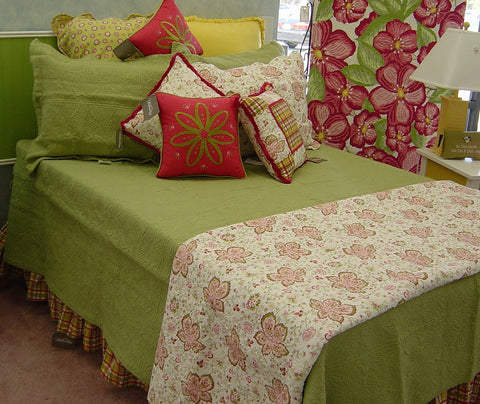 6650-green-solid-quilted-square-quilt